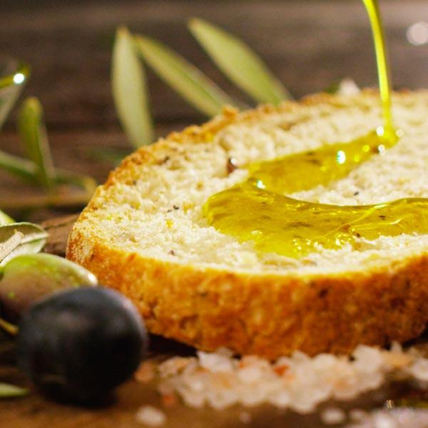 Olivenoeö-brot